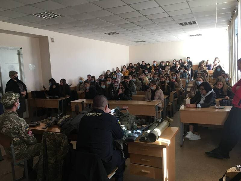 MEETING OF STUDENTS WITH DEFENDERS OF UKRAINE 1